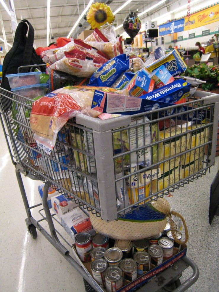 Costco overfilled Cart